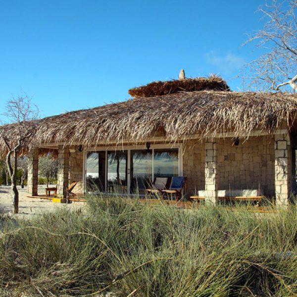 bungalow resort costa vezo madagascar