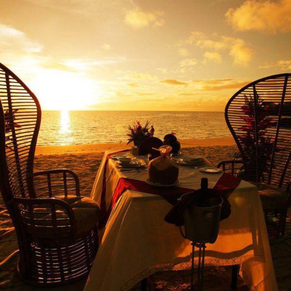 cena romantica spiaggia madagascar