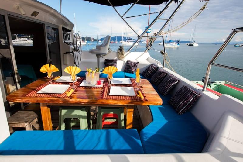 pranzo in catamarano - crociera Madagascar